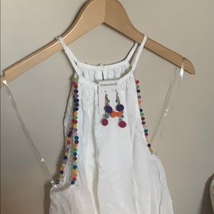 Adorable white tank never worn with earrings too!